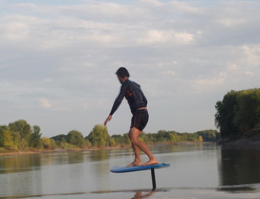 Session de Surf foil sur le Mascaret … pour la première fois