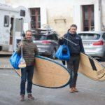 Nos surfeurs de Mascaret : Benito et Charles courageux malgé le froid.